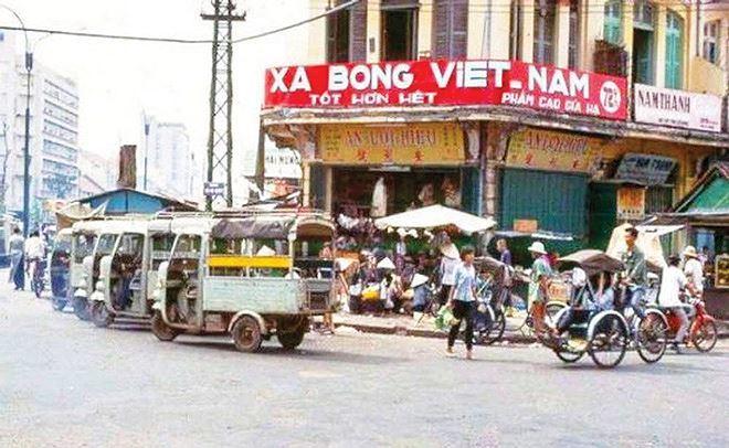 Thương hiệu xà bông Cô Ba nổi trội trong các cửa hàng lớn ở Sài Gòn vào thế kỷ 20