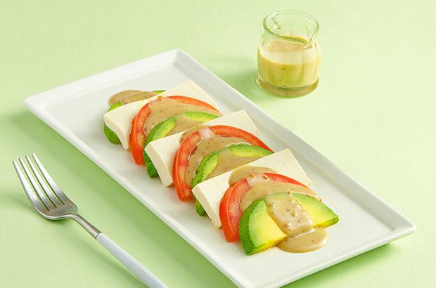 Salad caprese với bơ trái và đậu hũ